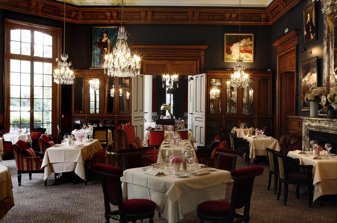 Is Restaurant Le St James Avenue Bugeaud Paaris