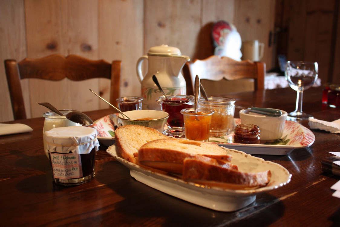 Petit déjeuner au Crêt l'Agneau