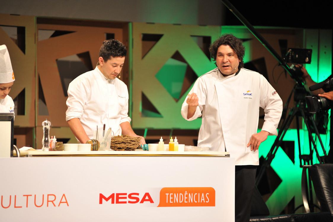 Emilio Macías_ Gastón Acurio_foto_Adriano Bellagente