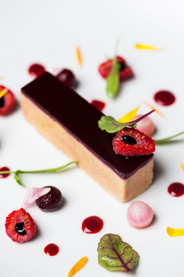 Foie gras - betteraves - framboises  - Agapé Bis © Thai Toutain (3)
