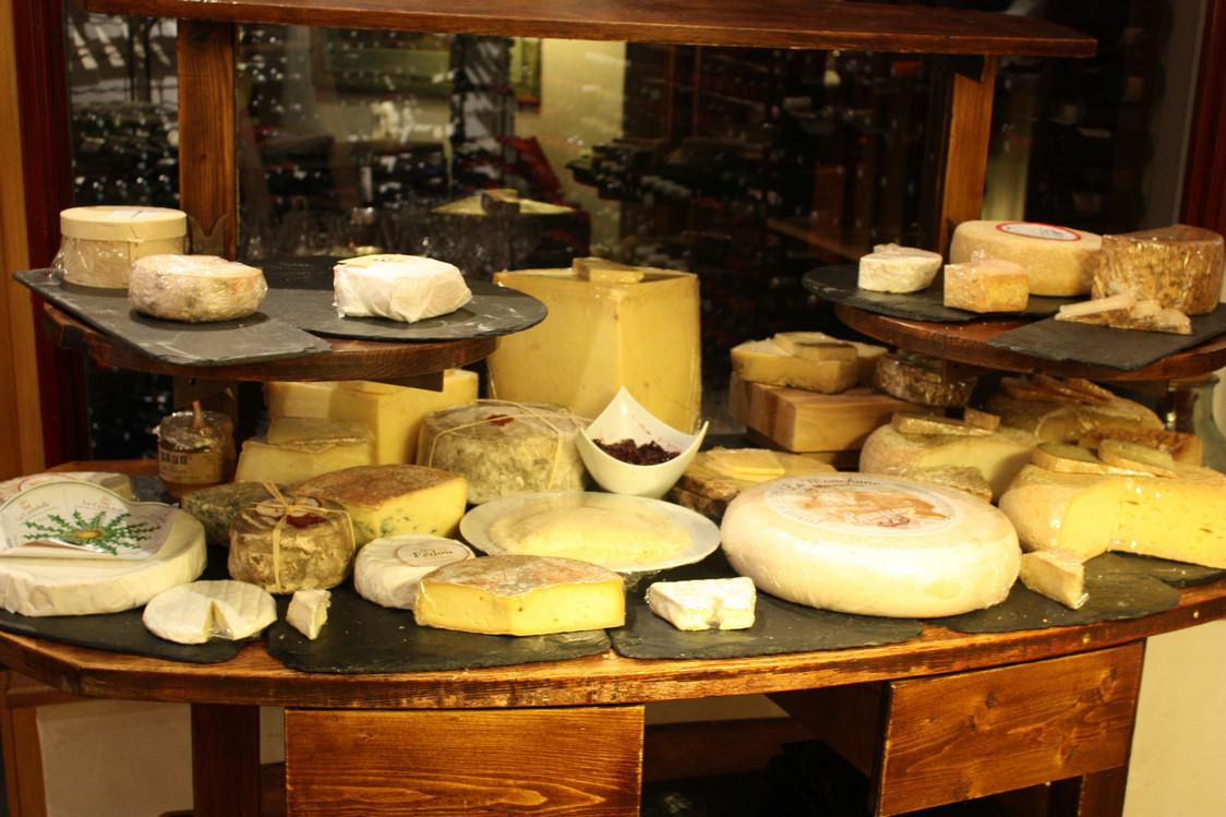 Un plateau de  fromages souhaite la bienvenue © P.Faus