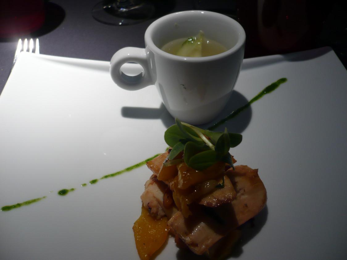 Poulpe, poivrons rôtis, soupe de  fenouil