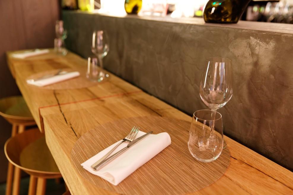 Garance - Le bar devant la cuisine