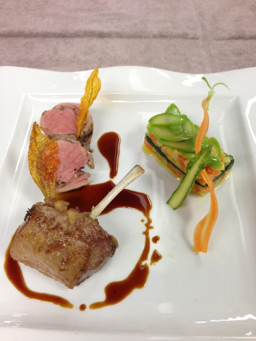 Le Pigonnet - Carré d'agneau et selle d'agneau de Sisteron, compressé asperges et carottes
