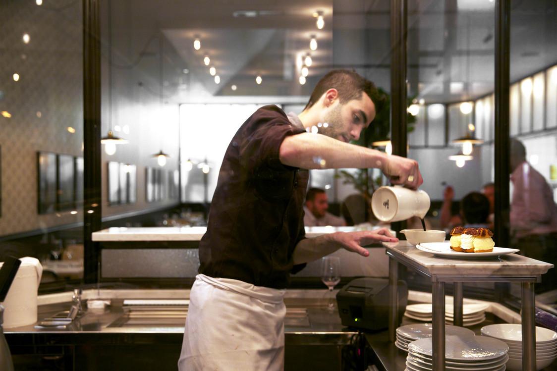 Restaurant Manger - Denis Demark