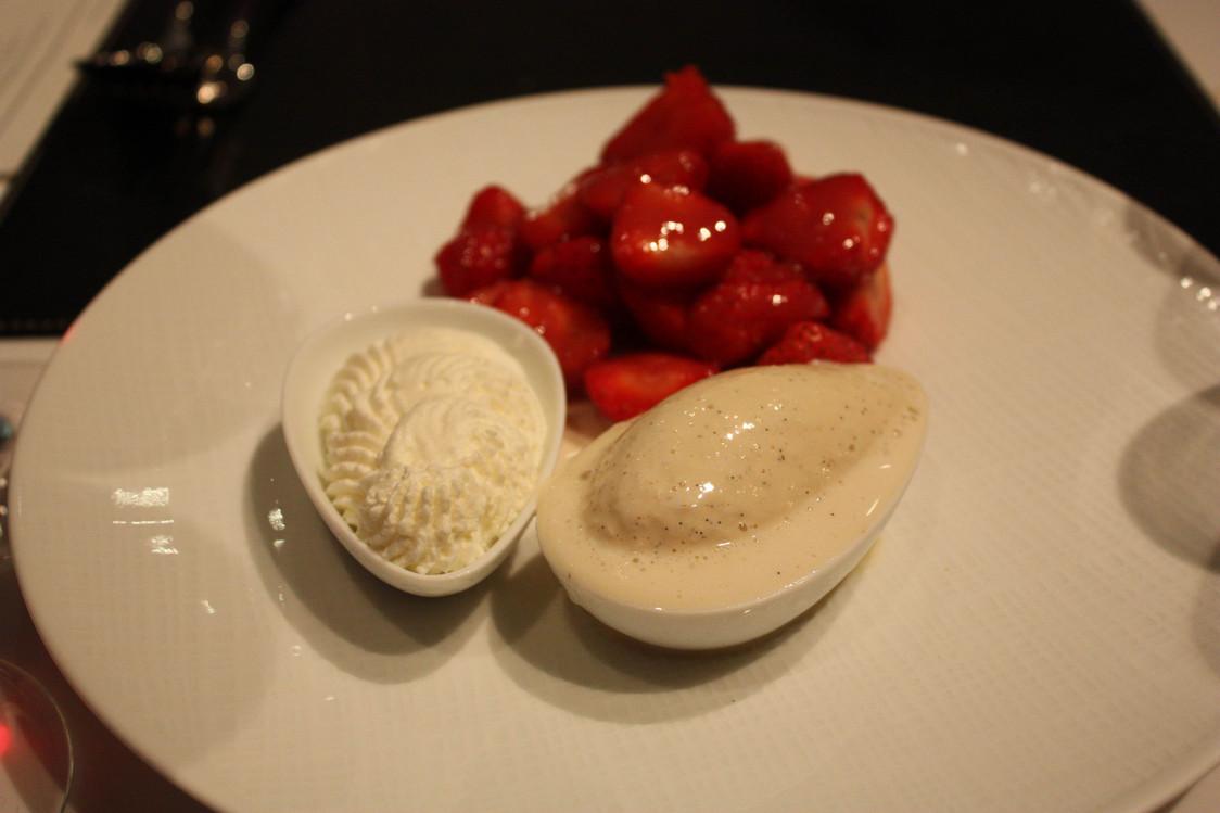 Restaurant Lazare - Fruits rouges, glace vanille