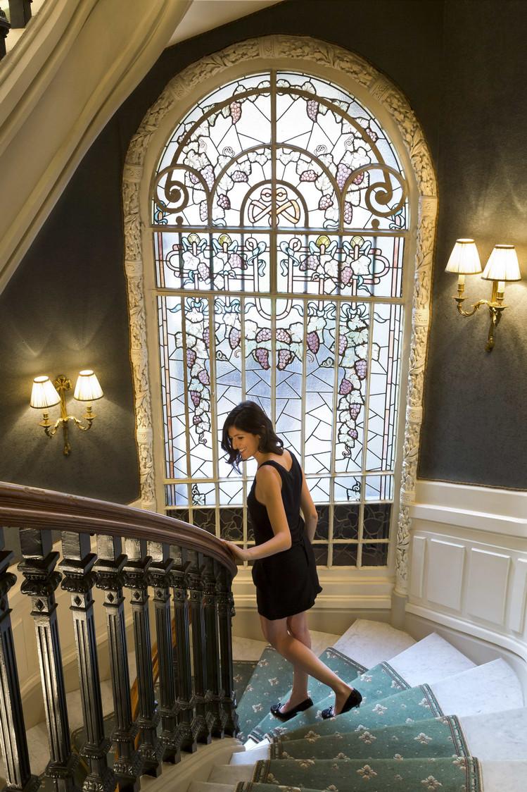 11. SR Vitraux dans l'escalier