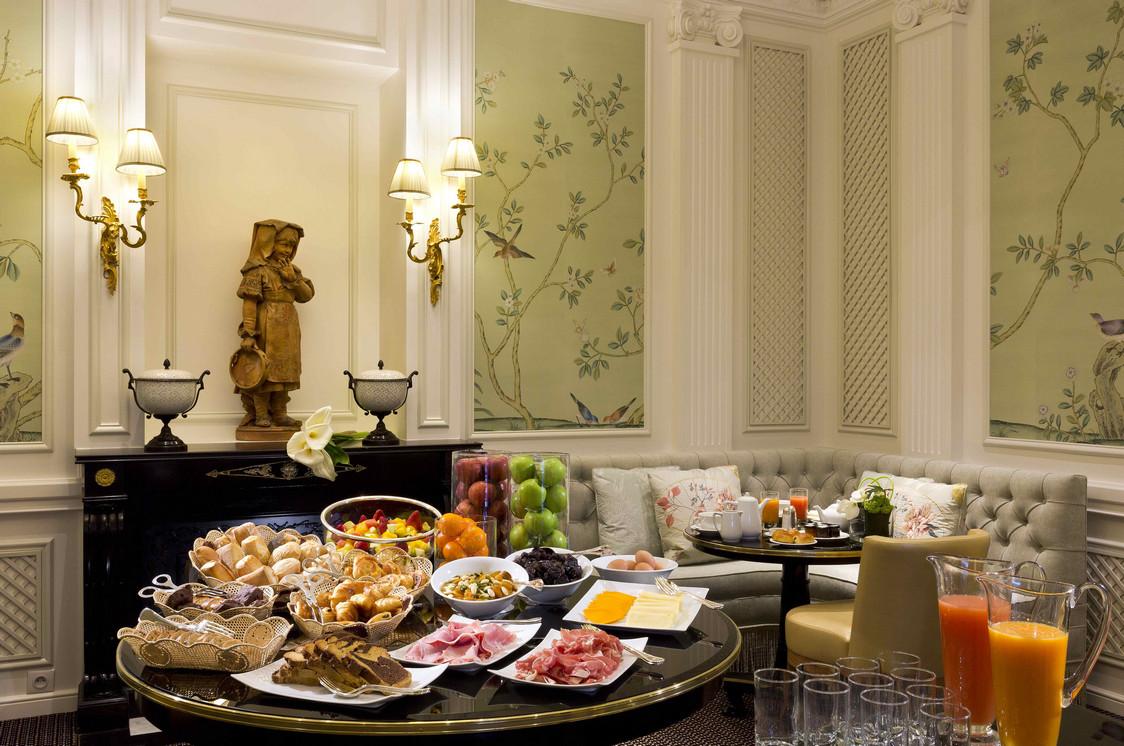 8. Les Confidences du San Regis - Petit dejeuner Buffet