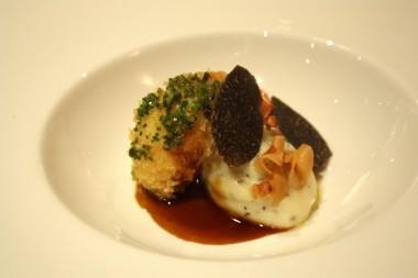 langoustines, mousseline de panais, truffes noires