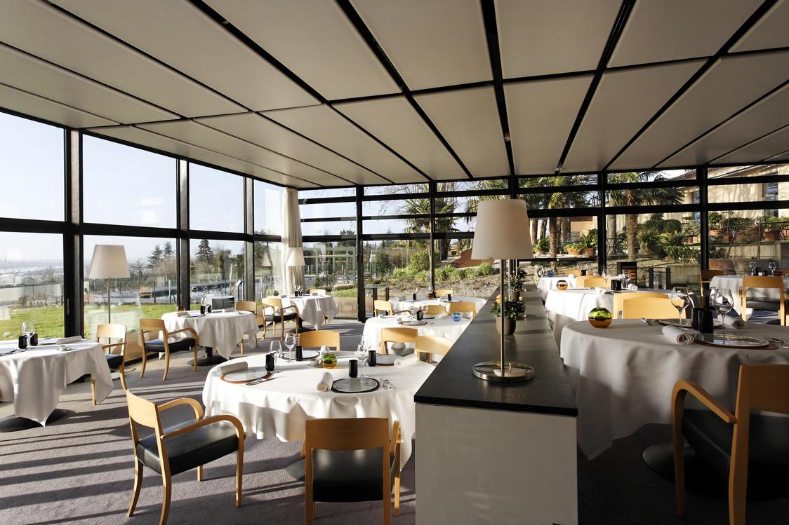 Hotel STJ Salle pano 11-Droits Hervé Lefébvre - copie