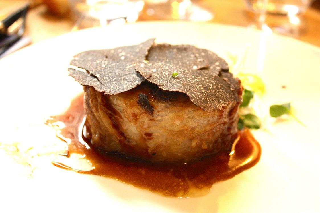 Cochon Ibérique, truffes, purée grand-mère