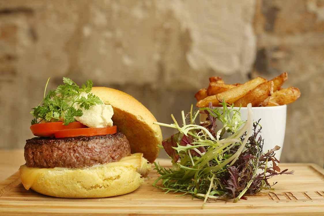 Arty - Burger