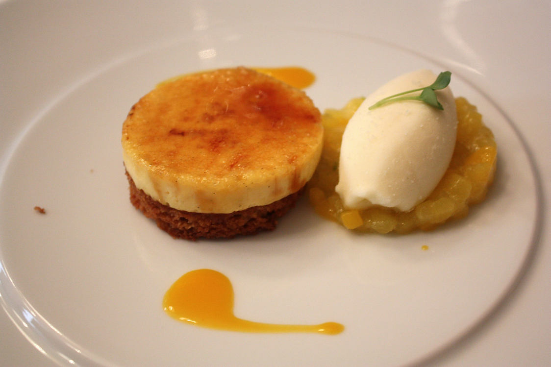 Logis de la Cadène - dessert mangue_ananas © Patrick Faus