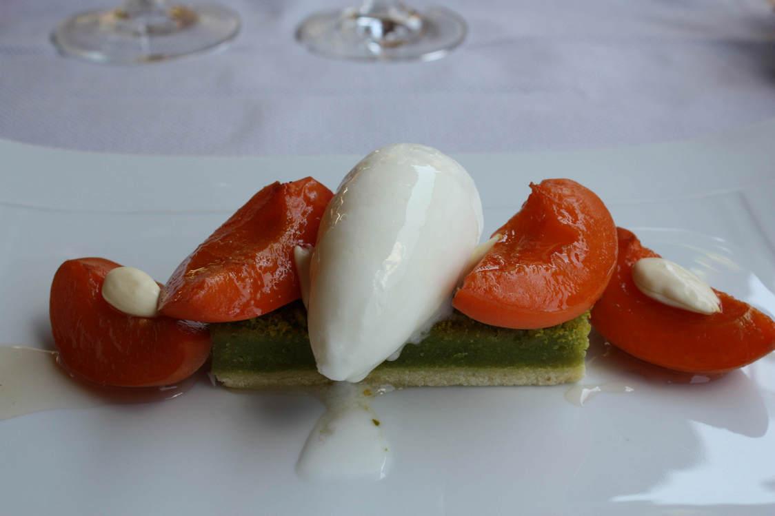 Abricots, pistache, amandes © P.Faus