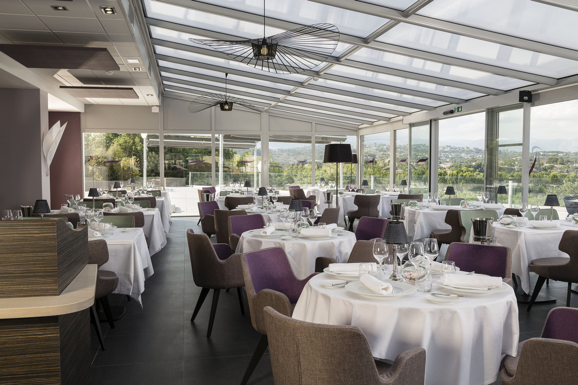 Restaurant ang lus h tel thalazur baie des anges for Restaurant antibes