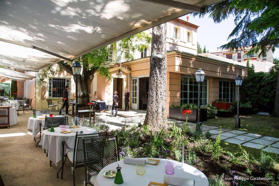 Marc de passorio l esprit de la violette gourmets co - Restaurant avec jardin aix en provence ...