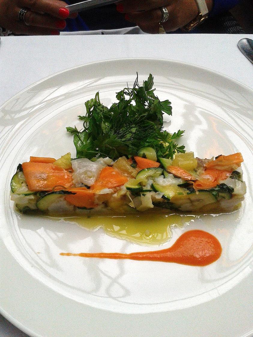 Assiette de légumes croquants © P.Faus