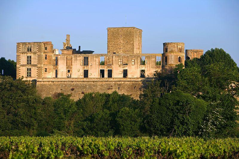 Château La Tour d'Aigues