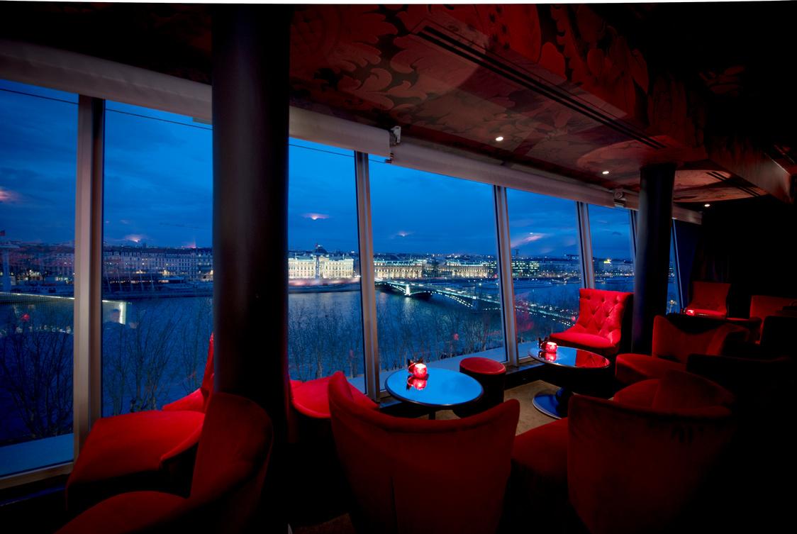 Sofitel lyon bellecour gourmets co - Restaurant tout le monde a table lyon ...