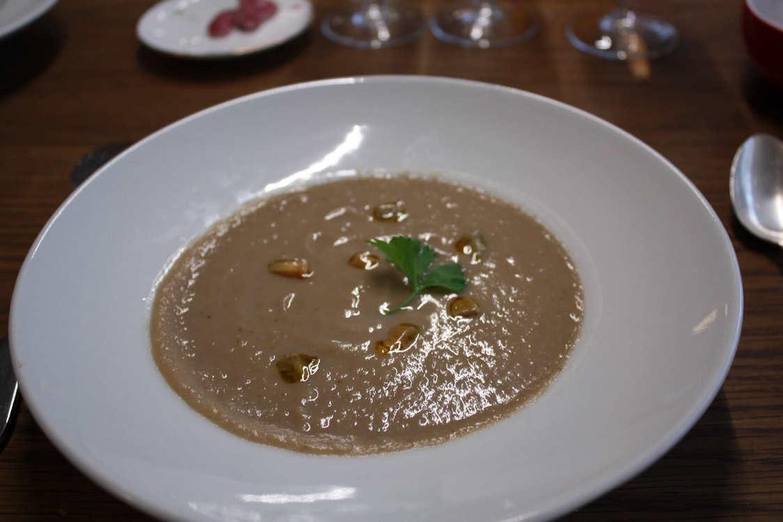 Soupe de châtaignes au foie gras © P.Faus