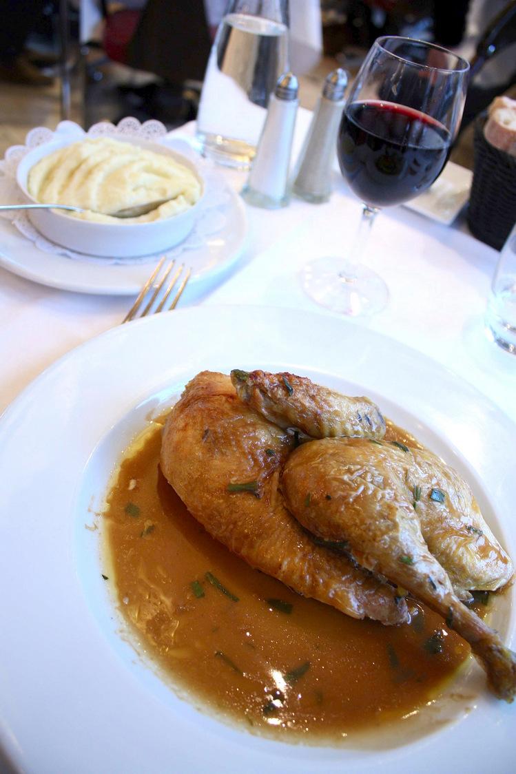 Demi-poulet fermier de nos régions rôti à l'estragon © P.Faus  - copie