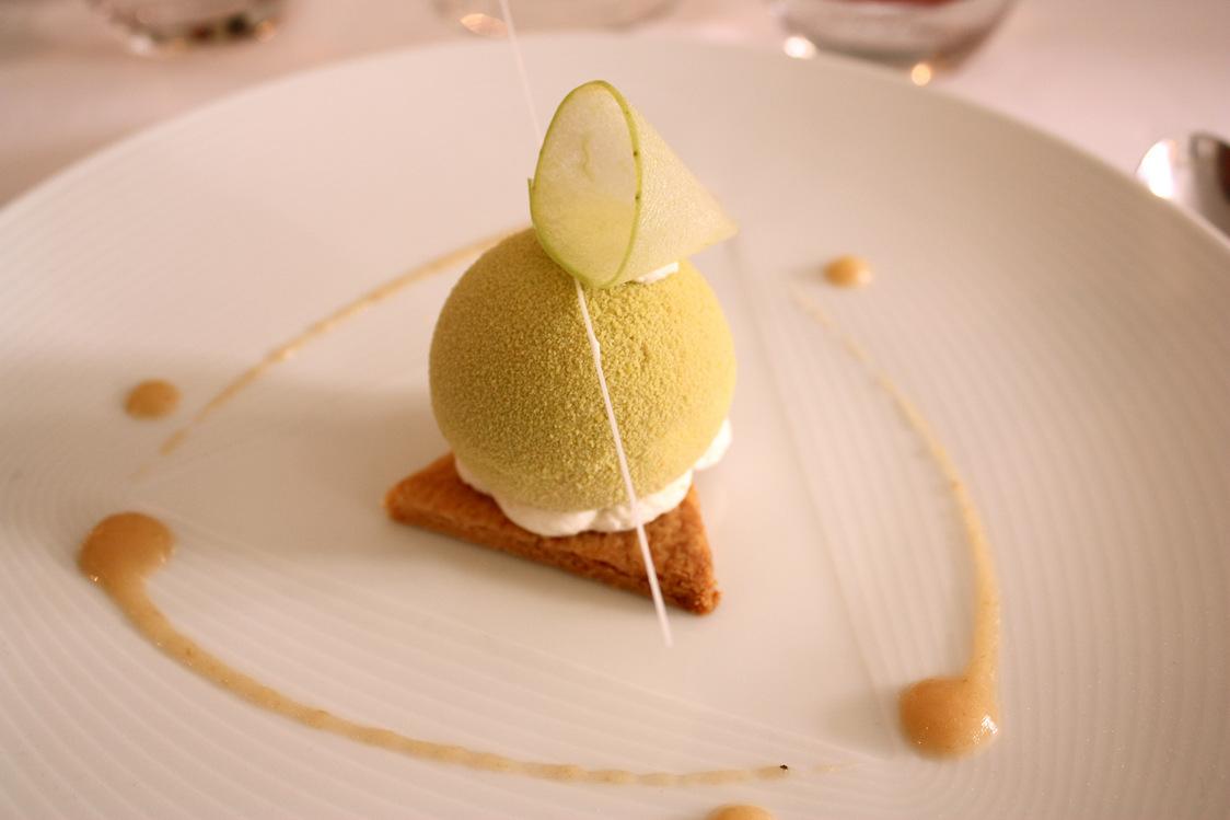 Varaition sur la pomme © P.Faus