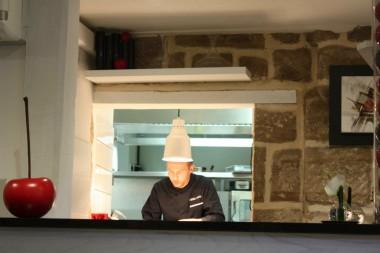 Le chef Pierre Neveu au pass © P.Faus