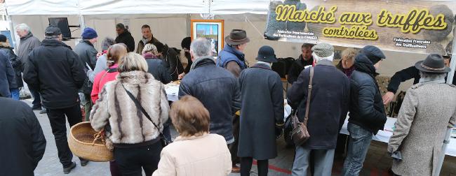Marche-aux-truffes-1pano