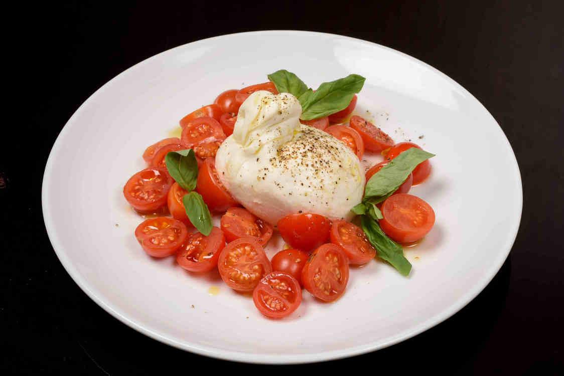 Tomates grappes de Sicile, mozzarella di bufala - copie