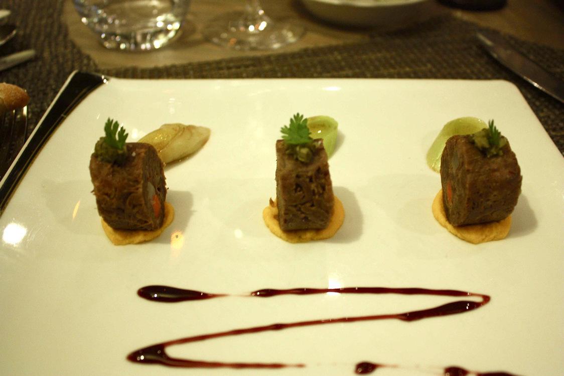 Paleron de bœuf, crème de carottes au jus de clémentin; © P.Faus