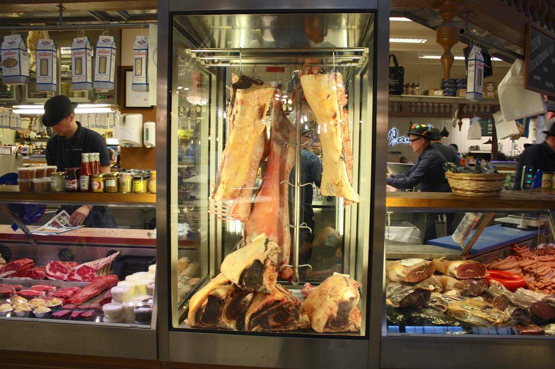 Saluhall les halles de stockholm gourmets co - Les halles boutiques ...