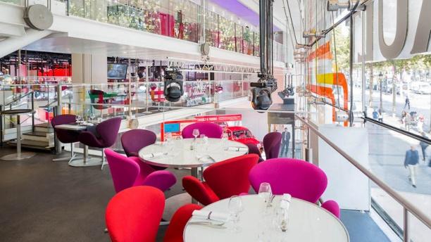 l-atelier-renault-cafe-restaurant-c4e78