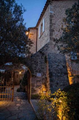 Bastide de Moustiers - Façade nuit - (c)P.Monetta - copie 2