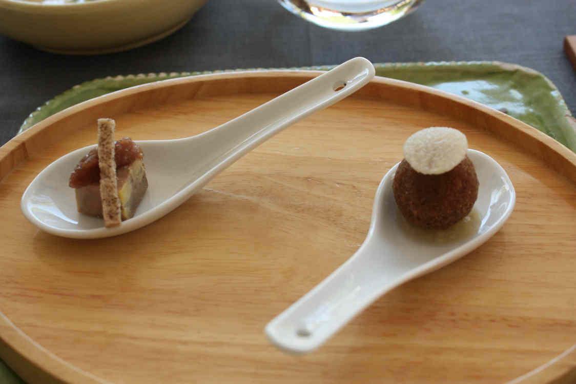 Cromesquis de boudin noir & Foie gras de canard, chutney d'échalotes© P.Faus