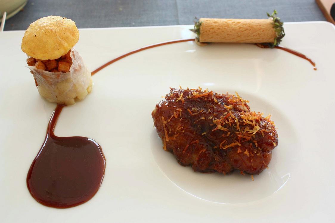 Ris de veau glacé, pommes de terre Agria, cigarette russe au raifort…. © P.Faus
