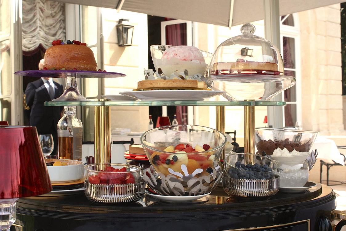 Chariot des desserts © P.Faus