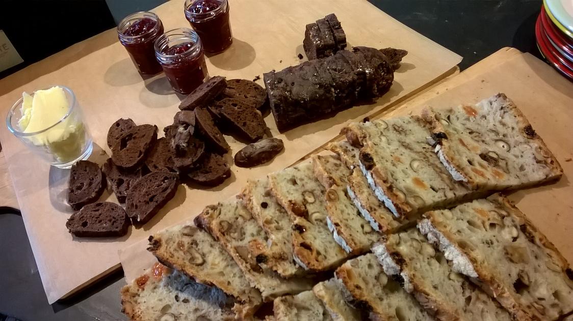 Pain granola et tradition au chocolat