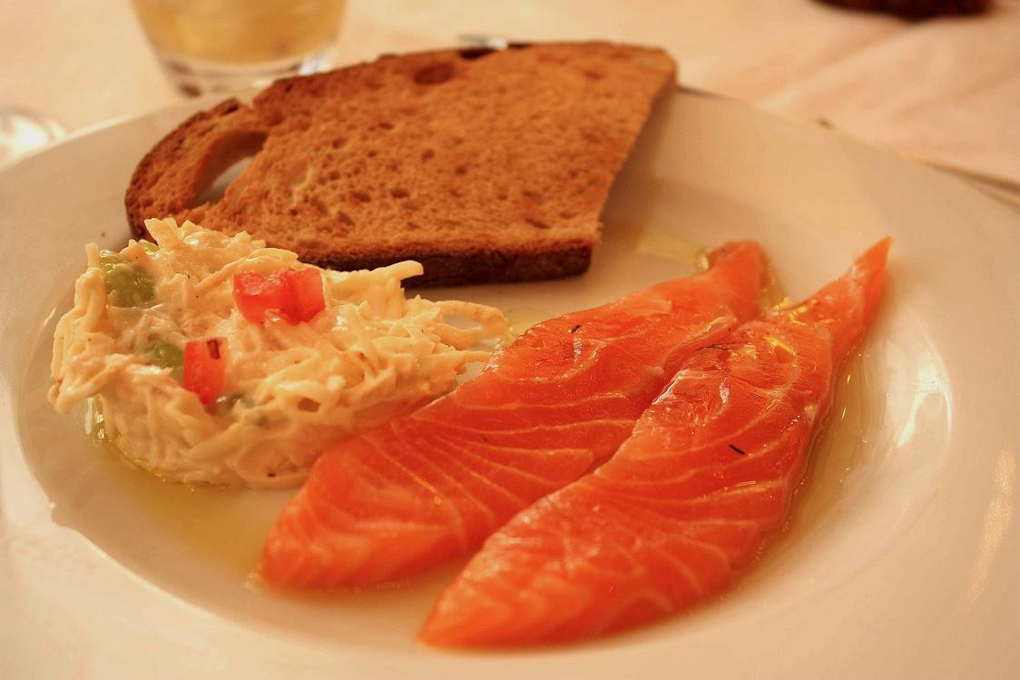 Saumon cru d'Ecosse mariné, cèleri rémoulade © P. Faus