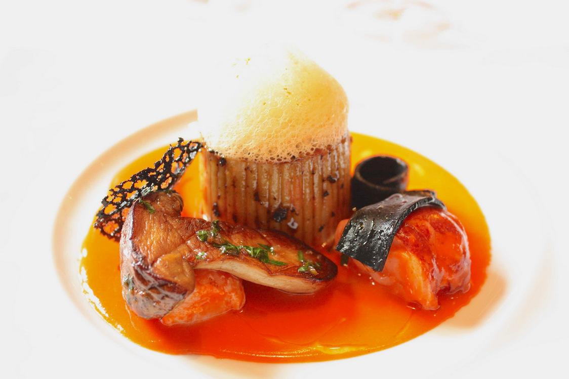 Spaghettis en timbale truffée de homard_cèpes © P.Faus  - copie