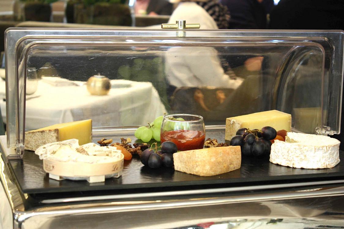 Sélection de fromages par Alléosse © P.Faus (1)