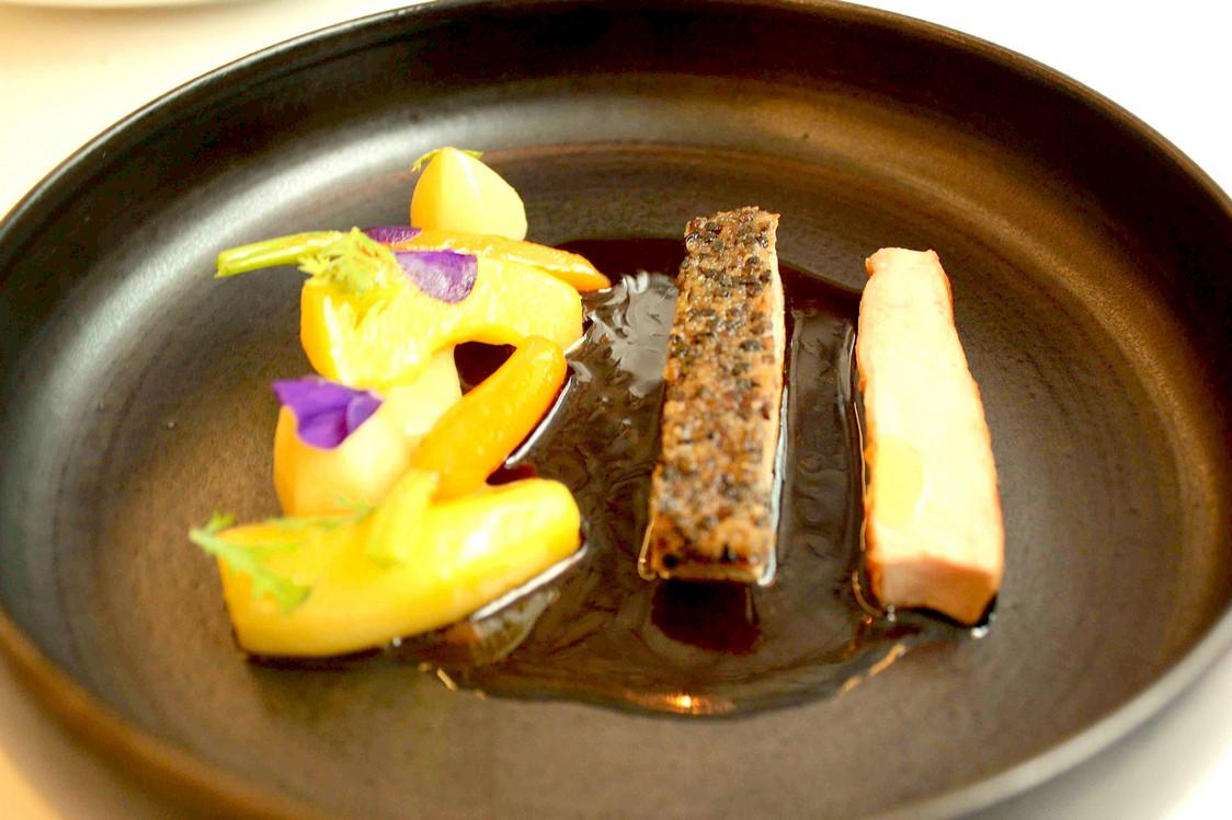 Agneau, croûte de poivre, légumes d'hiver © P.Faus . - copie