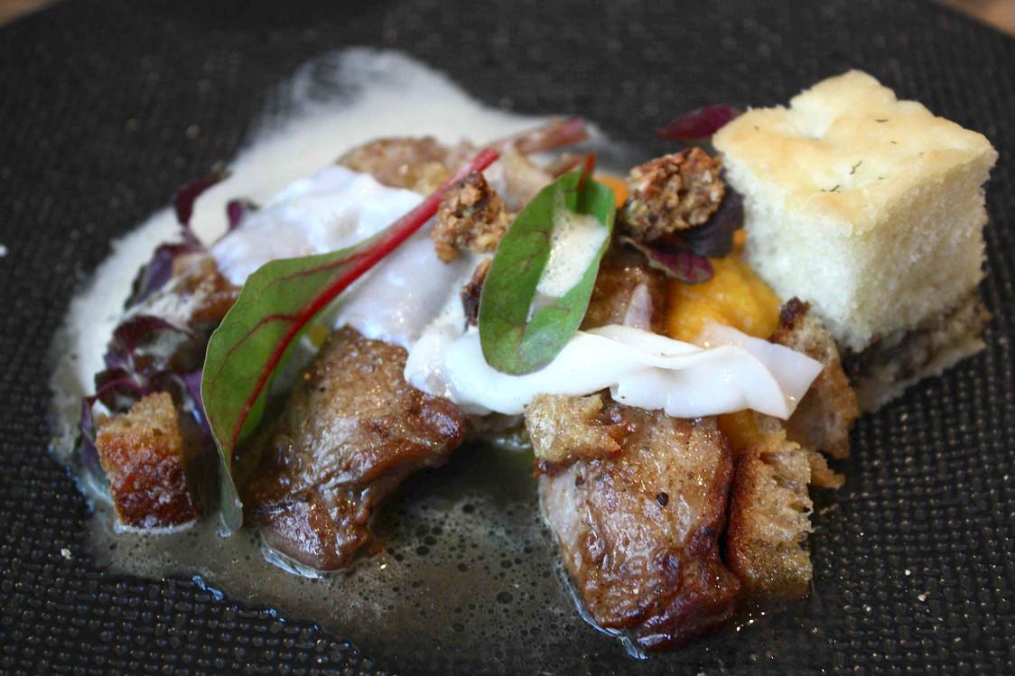 Crémeux butternut, cuisses de cailles rôties © P.Faus