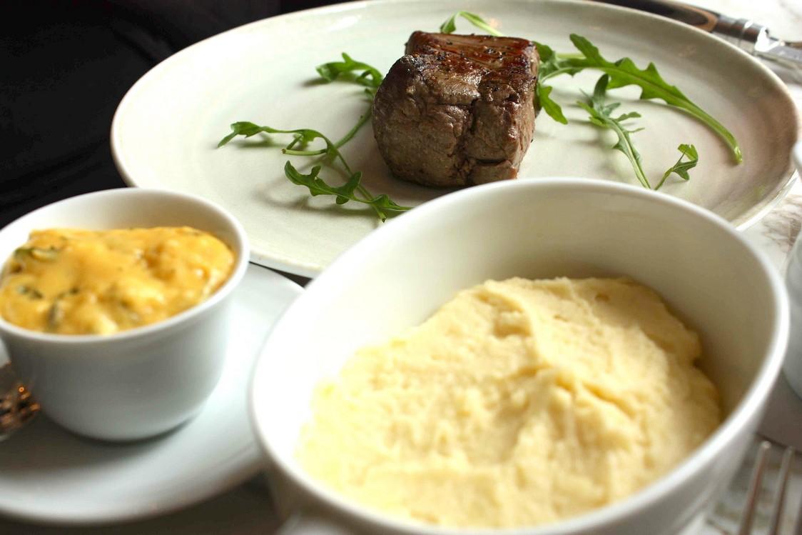 Filet de bœuf, béarnaise © P.Faus