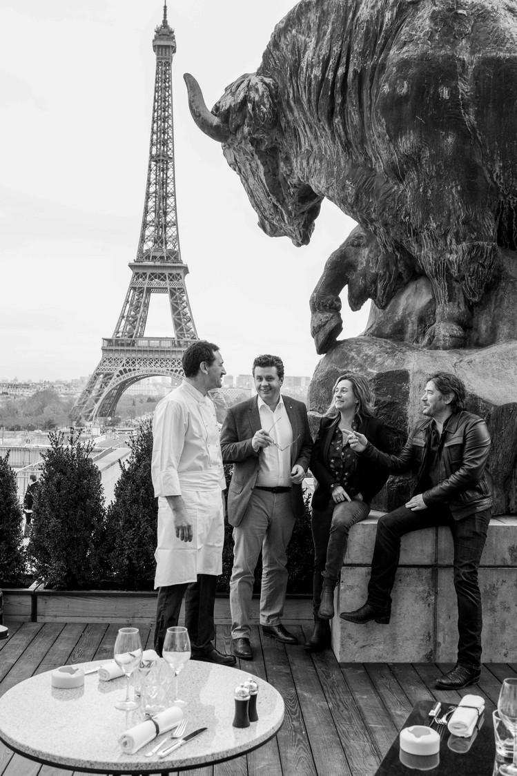 Le chef Mickaël Foubert (à g.), Frédéric Vardon, Coco, etc.