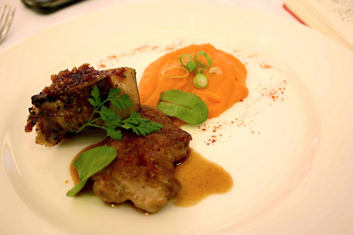 Poitrine de cochon, purée patate douce © P.Faus