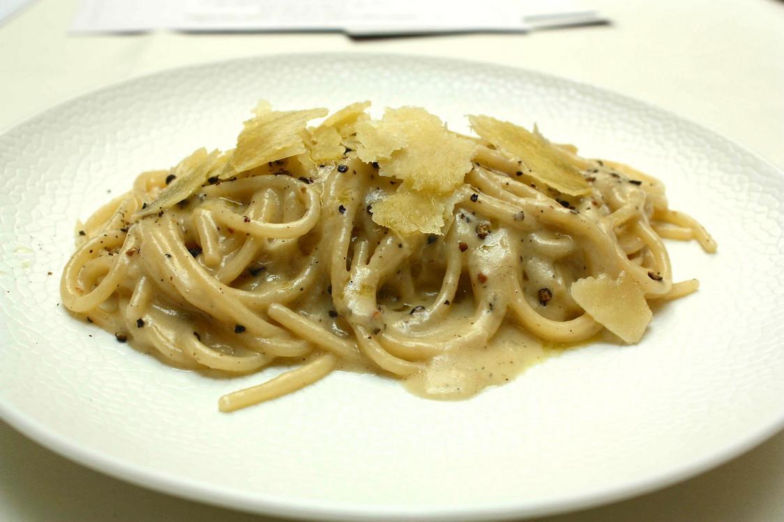 Spaghetti _Cav Cocco_, cecio et poivre à la Romaine © P.Faus