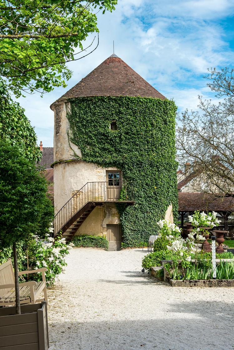 Chateau de Courban Vue extérieure Pigeonnier
