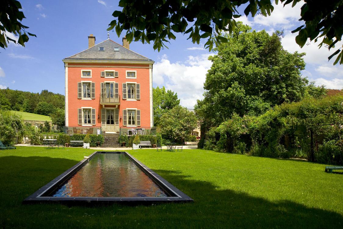 Chateau de Courban bassin de nage 1