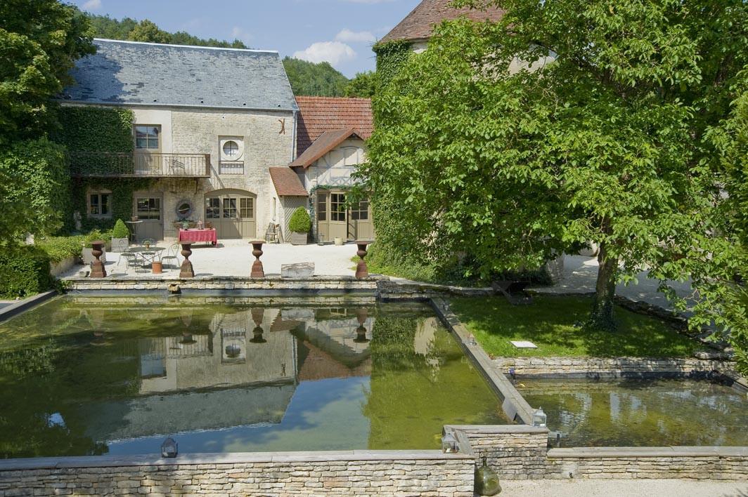 Chateau de Courban chambre 69 vue terrasse -2