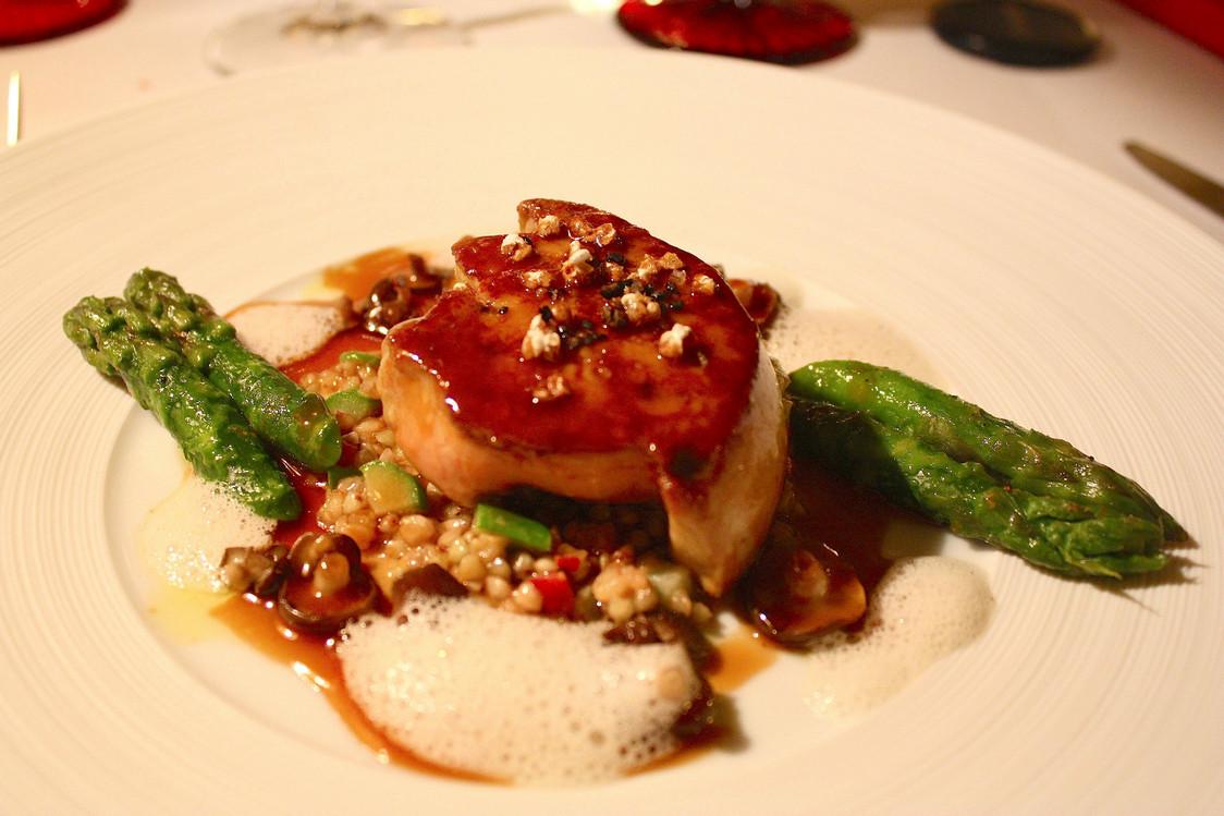 Foie gras poêlé, asperges  - copie